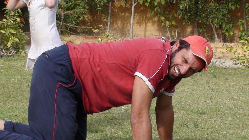 Shahid Afridi Real Life Pics | Shahid Afridi Family Photos