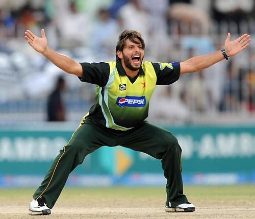 Latest Best Cool Shahid Afridi Wallpapers